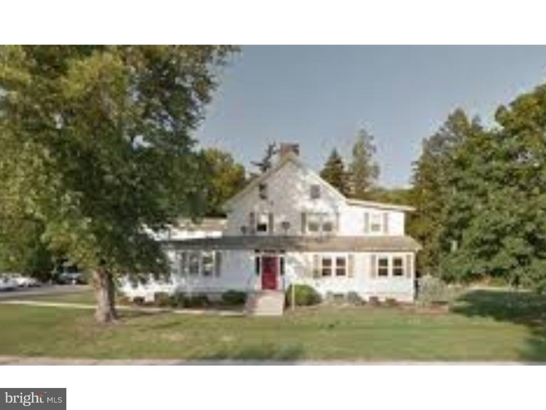 Частный односемейный дом для того Продажа на 8 TRENTON Road Browns Mills, Нью-Джерси 08015 Соединенные Штаты