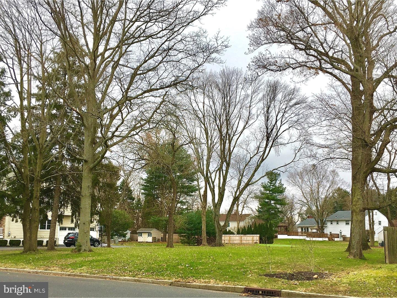 Enfamiljshus för Försäljning vid 605 S MAIN Street Hightstown, New Jersey 08520 Förenta staternaI/Runt: Hightstown Borough