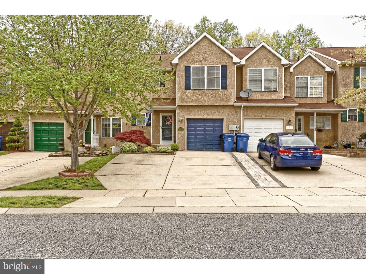 Photo of home for sale at 36 Meadow Court, Sewell NJ