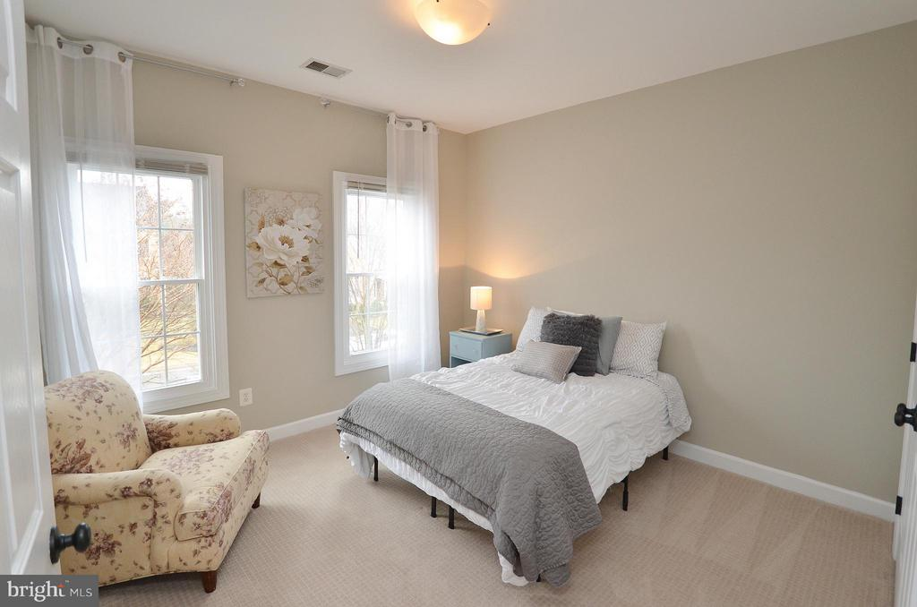Bedroom 3 - freshly painted & new carpet - 18490 ORCHID DR, LEESBURG