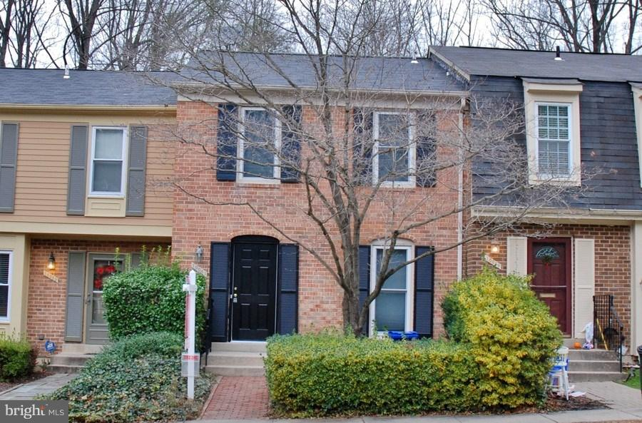 Single Family for Sale at 10051 Maple Leaf Dr Montgomery Village, Maryland 20886 United States