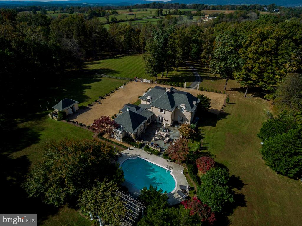 Elegant French Country Estate - 22030 WILLISVILLE RD, UPPERVILLE