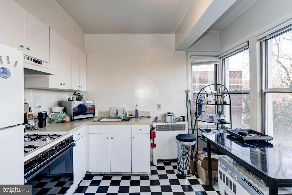 Eat-in Kitchen - 2500 Q ST NW #746, WASHINGTON