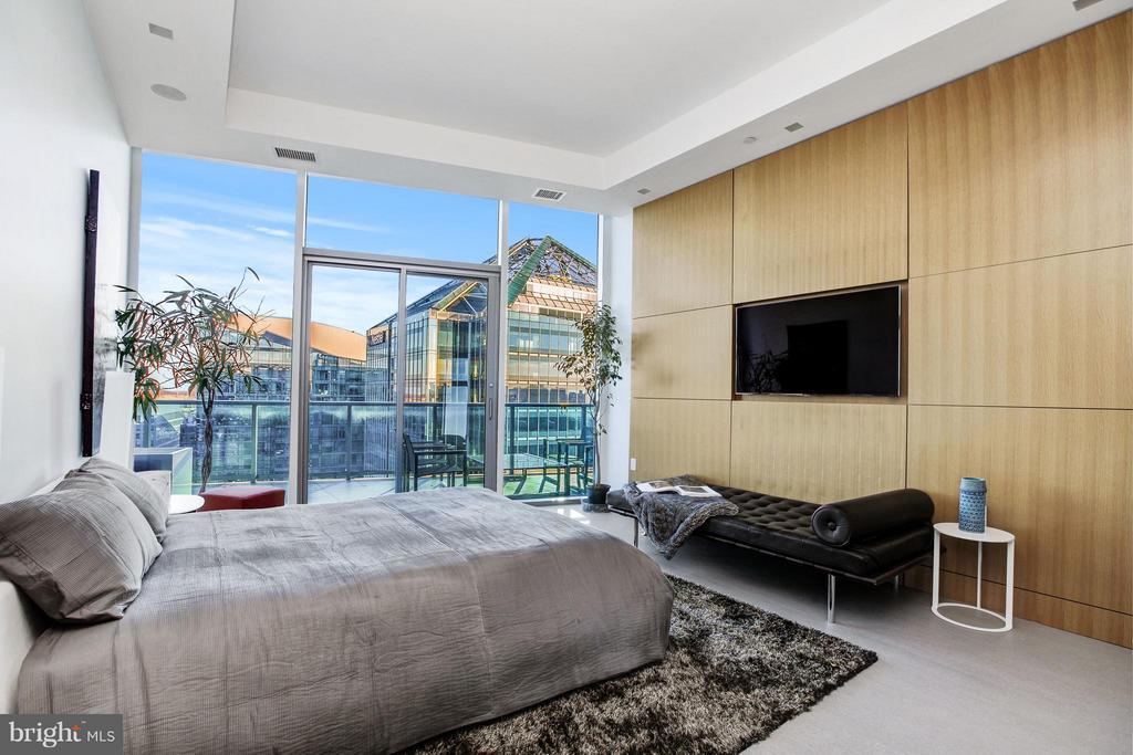 Guest Suite - 1881 N NASH ST #TS01, ARLINGTON