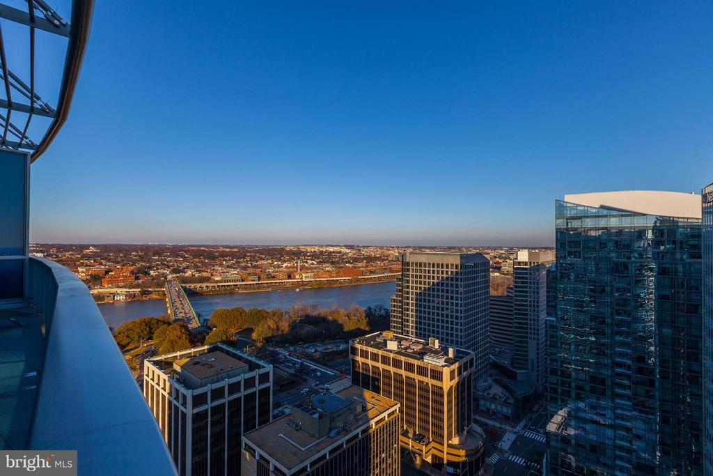 Panoramic Views of the DC Skyline - 1881 N NASH ST #TS01, ARLINGTON