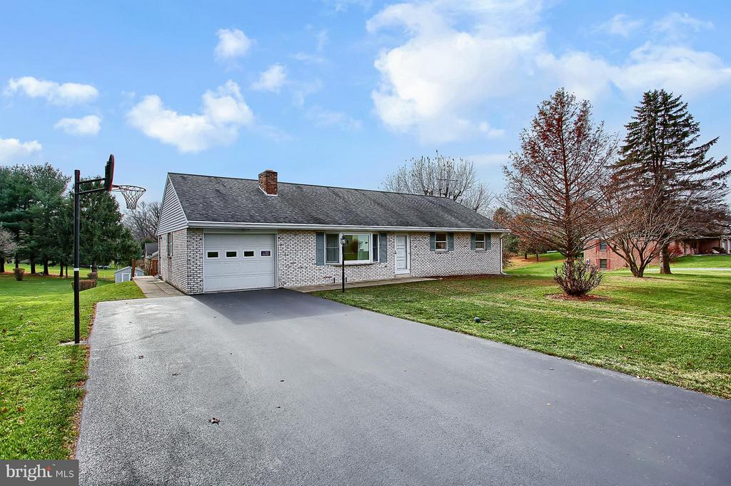 12  FARM LANE, Manheim Township in LANCASTER County, PA 17543 Home for Sale