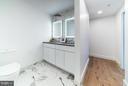 Master bath, walk-in closet around corner - 1245 PIERCE ST N #8, ARLINGTON
