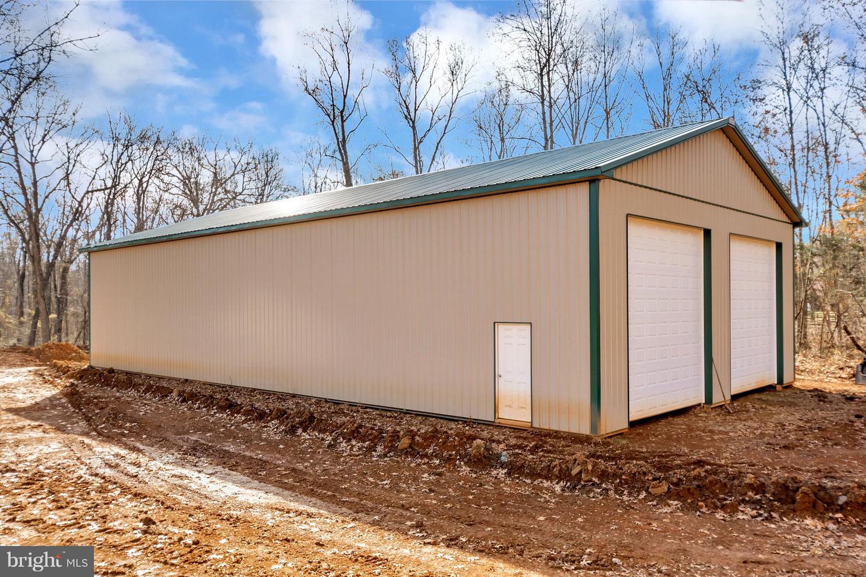 Additional photo for property listing at 8777 Hunt Trl 8777 Hunt Trl Warrenton, Virginia 20187 United States