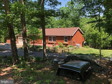 Single Family Homes para Venda às Romney, West Virginia 26757 Estados Unidos