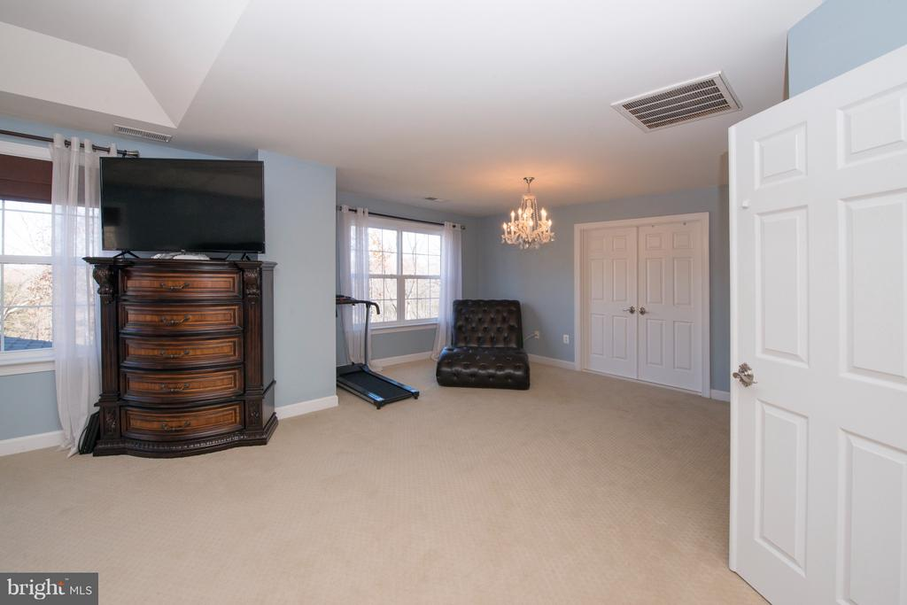 Master Bedroom Sitting Area - 130 BRITTANY MANOR WAY, STAFFORD