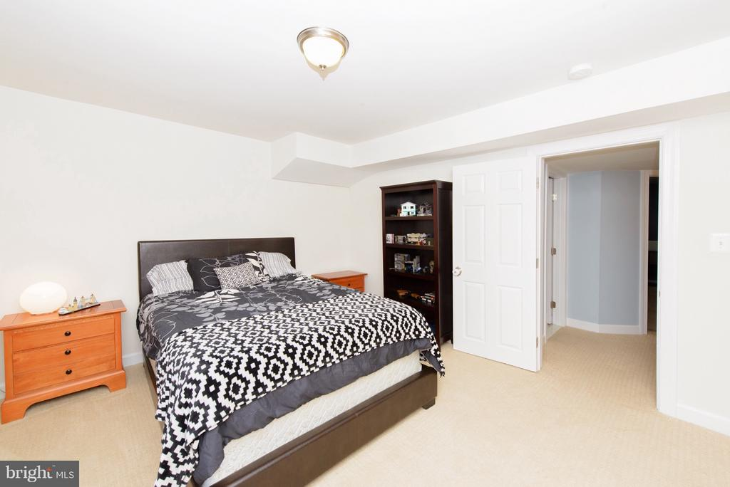 Bedroom in Basement - 130 BRITTANY MANOR WAY, STAFFORD