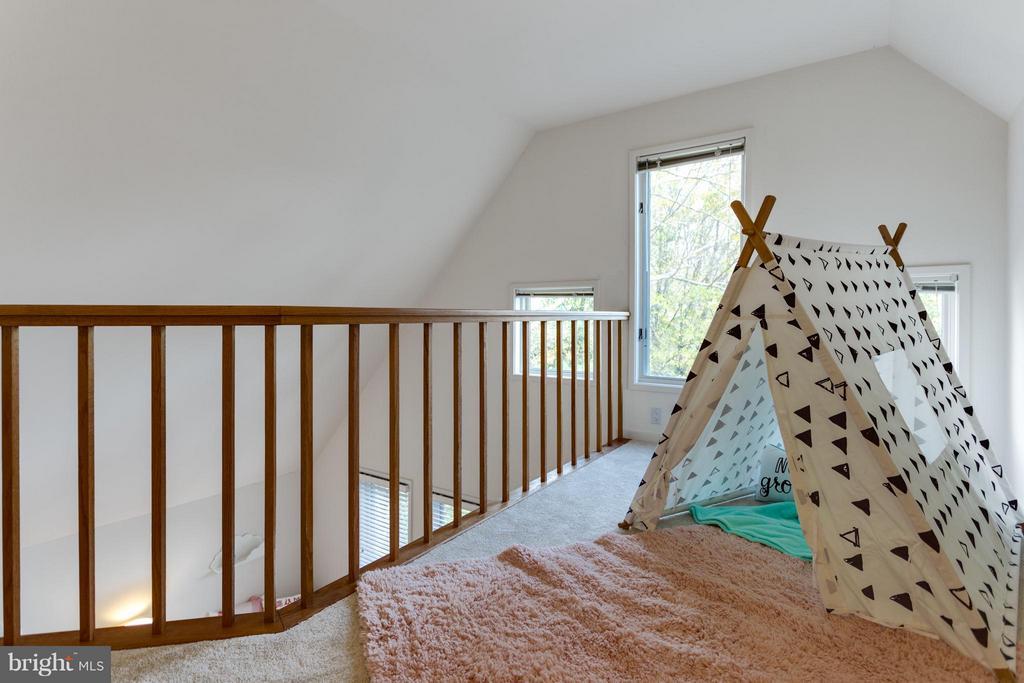 Loft space creates a 4th Level - 11581 GREENWICH POINT RD, RESTON