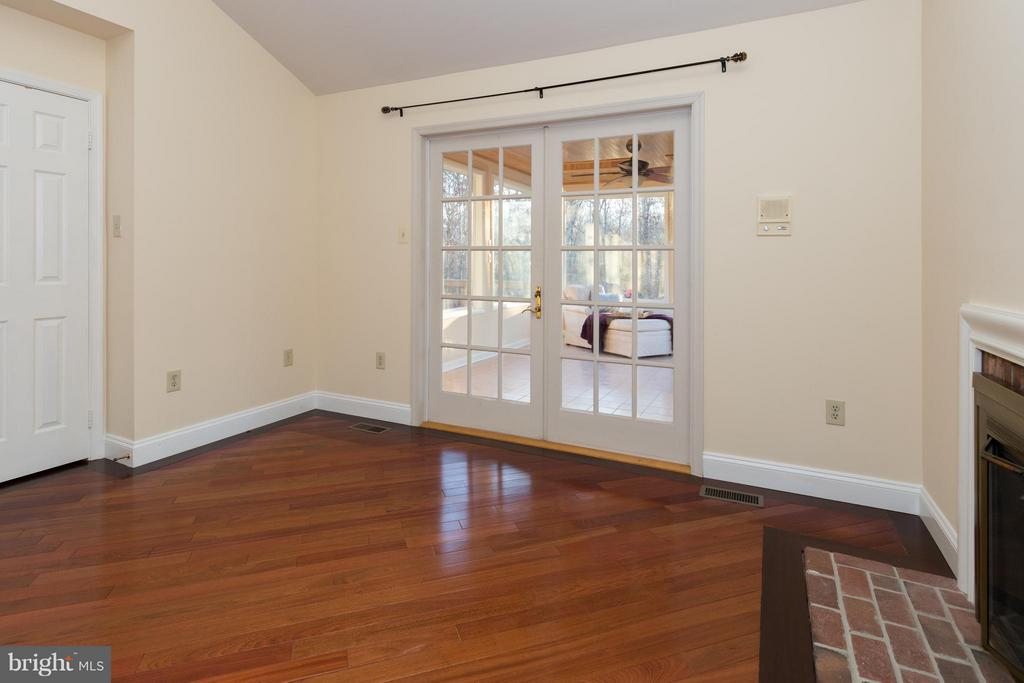 Note the gas fireplace within this Master Suite - 7523 RAMBLING RIDGE DR, FAIRFAX STATION