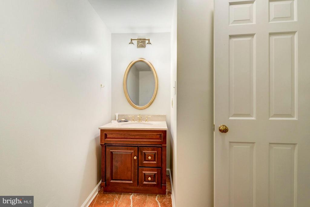 LOWER LEVEL FULL BATHROOM - 430 N UNION ST, ALEXANDRIA