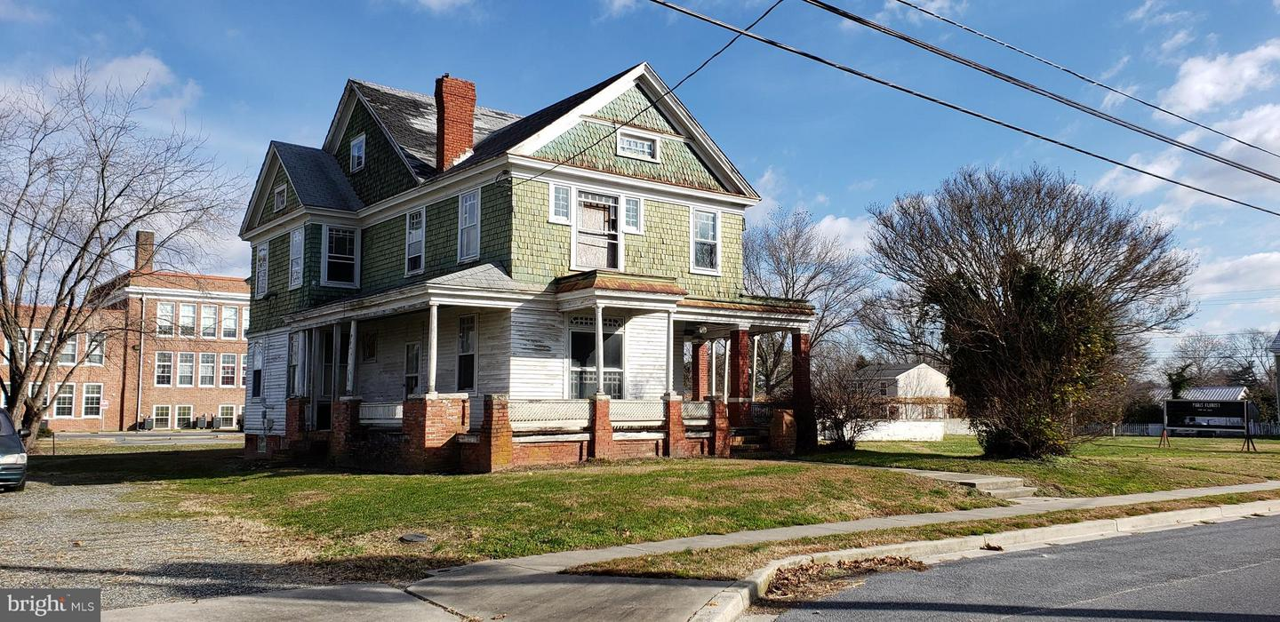 Single Family for Sale at 402 W Sunset Ave Greensboro, Maryland 21639 United States