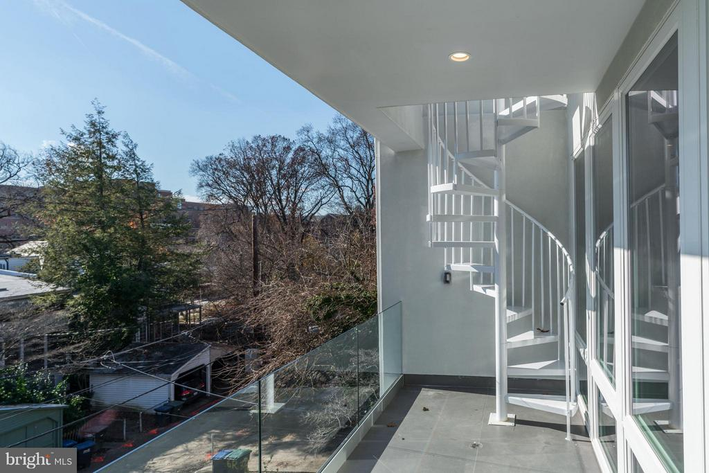 TERRACE OF 6TH BEDROOM AND MASTER BEDROOM - 3722 R ST NW, WASHINGTON