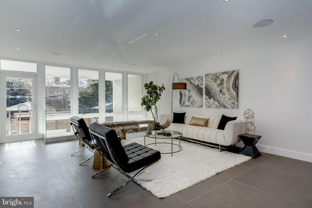 MAIN LEVEL LIVING ROOM - 3722 R ST NW, WASHINGTON