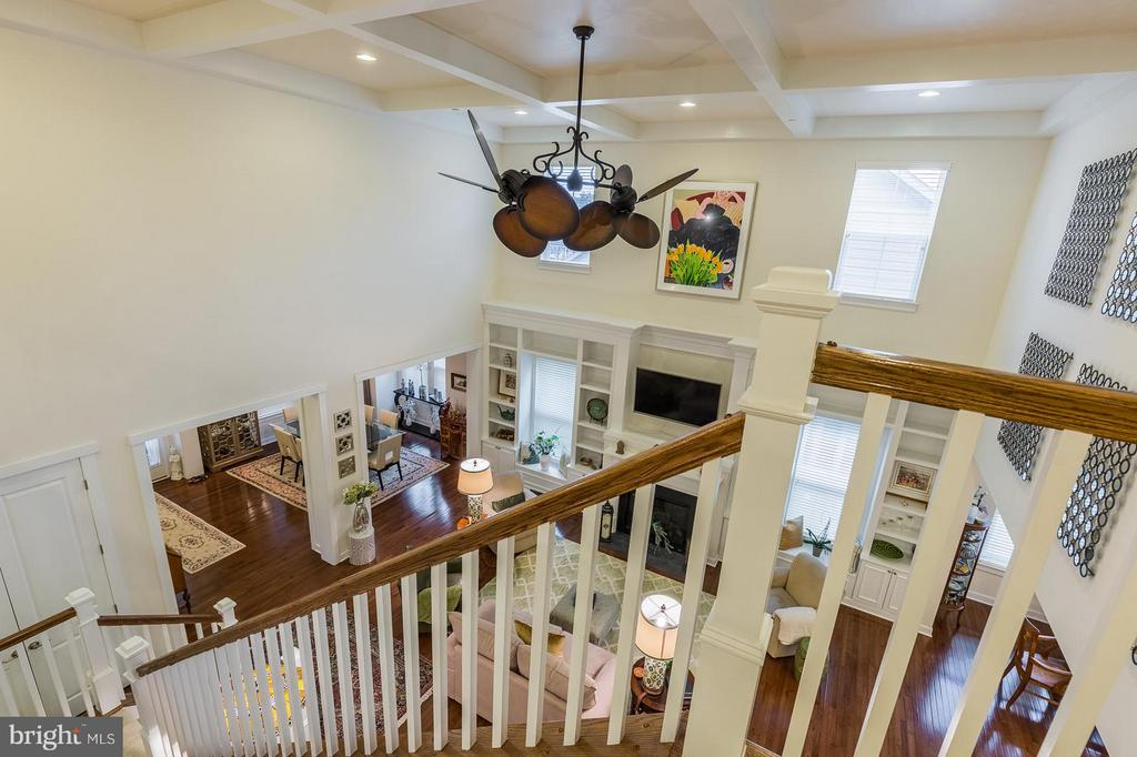 Let's go upstairs..look at that ceiling - 17041 SILVER ARROW DR, DUMFRIES