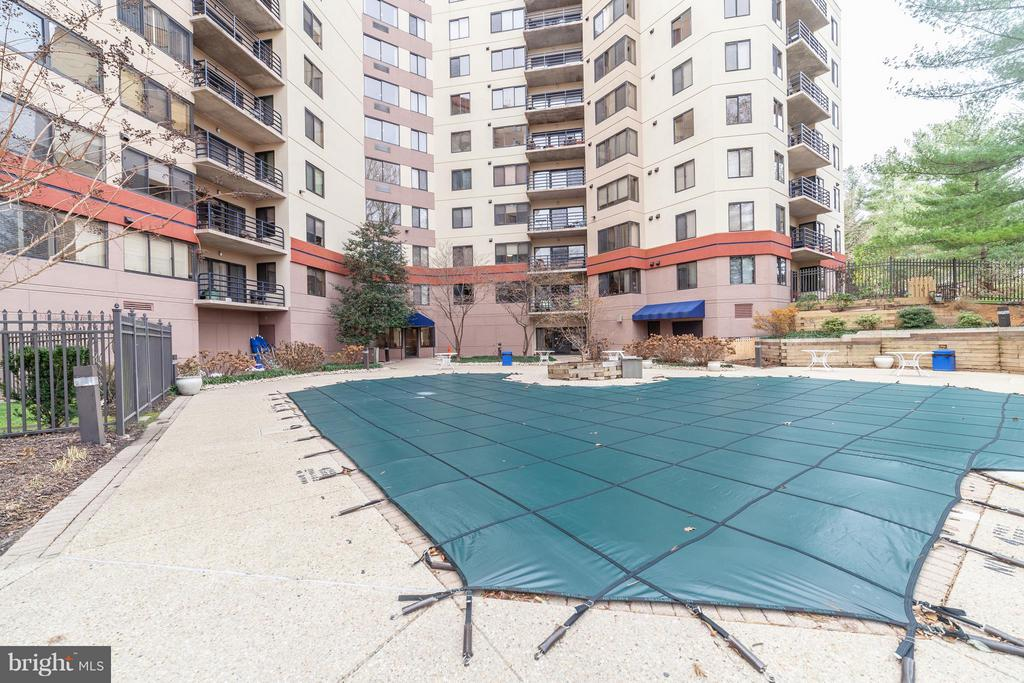 Pool - 10001 WINDSTREAM DR #207, COLUMBIA