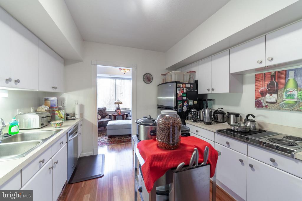 Stainless Steel Appliances - 10001 WINDSTREAM DR #207, COLUMBIA