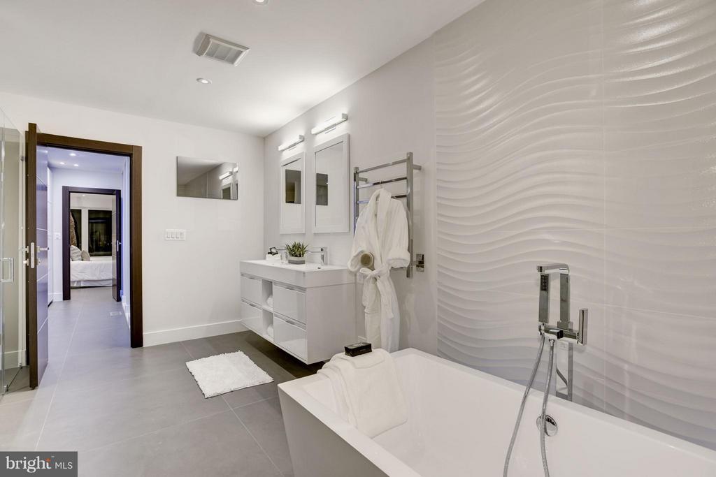 PORSELANOSA TILE IN BATHROOMS - 3722 R ST NW, WASHINGTON