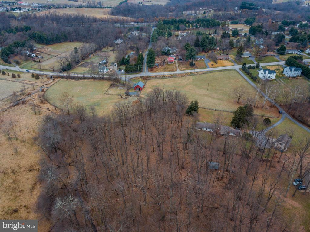 - 17035 FREDERICK RD, MOUNT AIRY