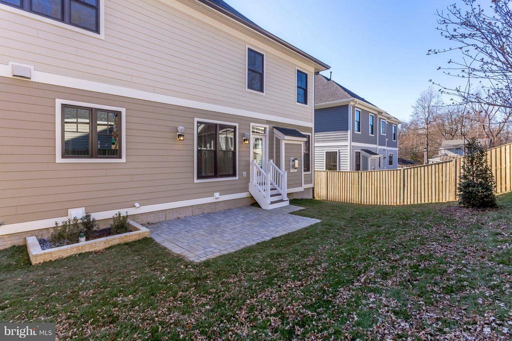 Fully Fenced Rear yard - 6713 19TH ST N, ARLINGTON