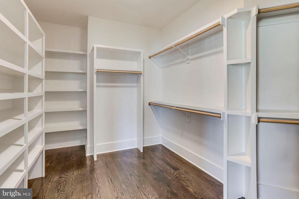 Custom Designed Master Bedroom Closet - 6713 19TH ST N, ARLINGTON