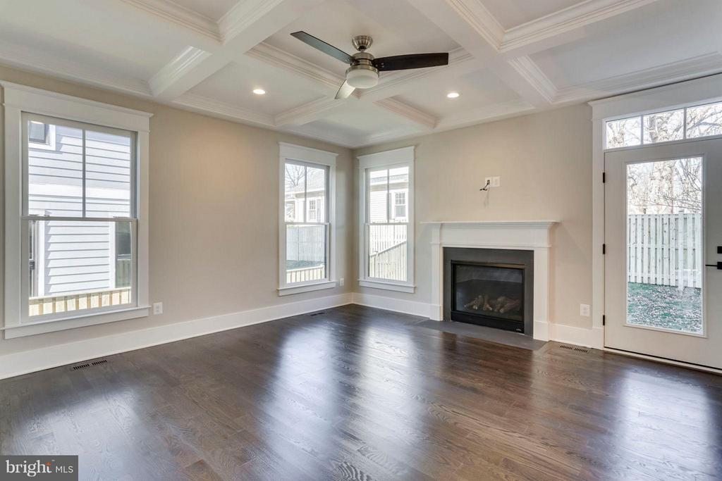 Family Room with Fireplace and Door to Patio - 6713 19TH ST N, ARLINGTON
