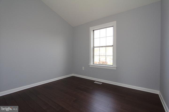 Bedroom #2 - 843 SMARTTS LN NE, LEESBURG