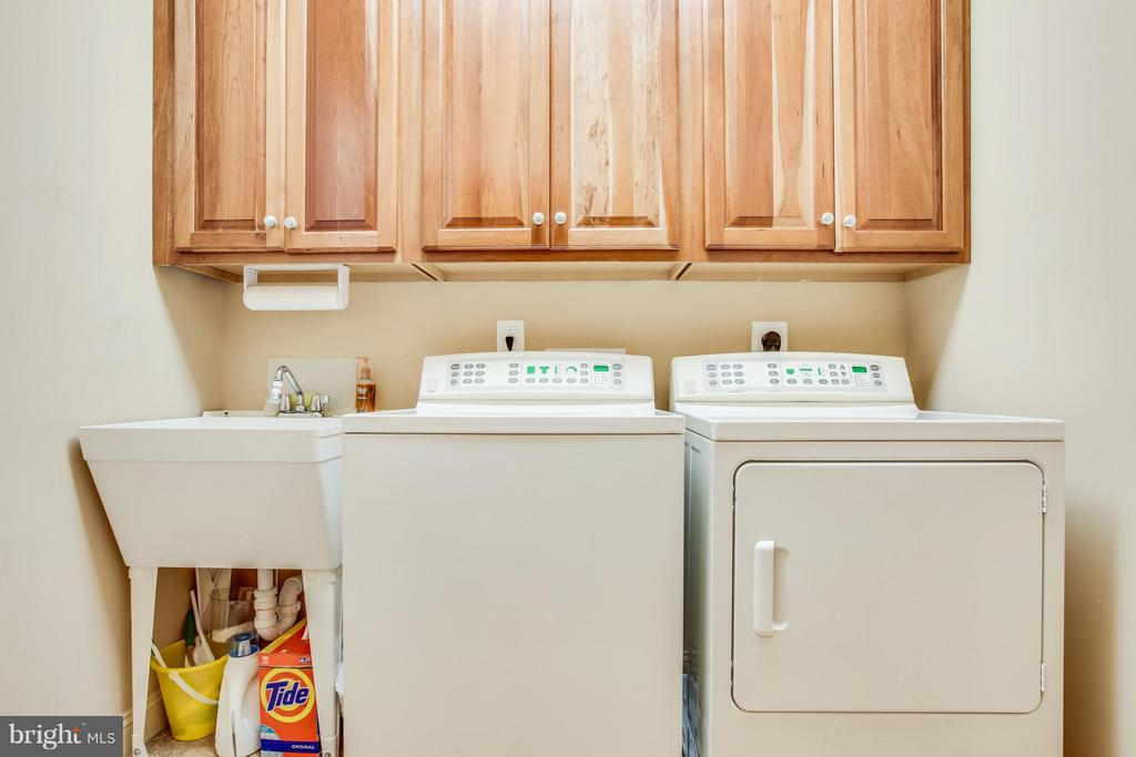 Laundry on Upper to compliment the Main. - 10 STEFANIGA FARMS DR, STAFFORD