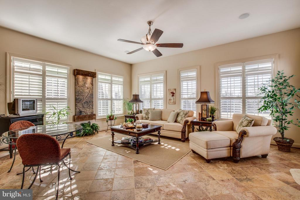 My Favorite Room - Natural Stone, Shutters, Light! - 10 STEFANIGA FARMS DR, STAFFORD