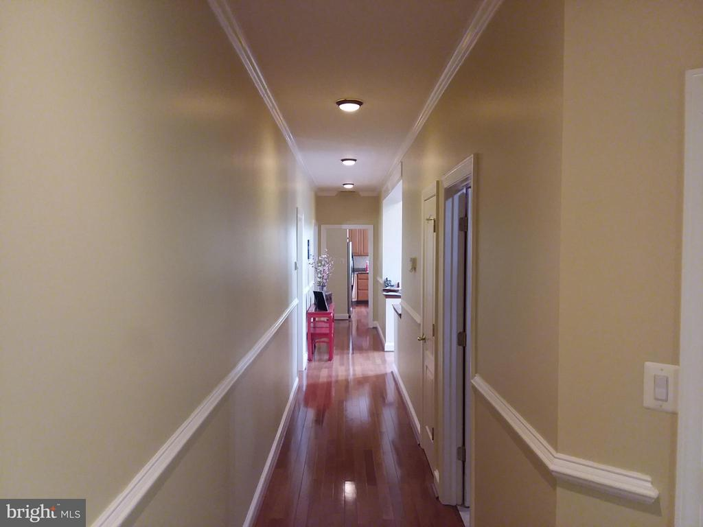 elegant CORRIDORs throughout.. - 6142 WALKER'S HOLLOW, LOCUST GROVE