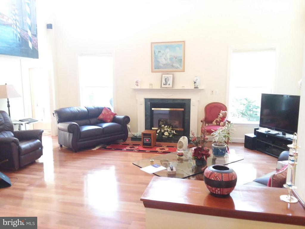 GREAT FAMILY room.. - 6142 WALKERS HOLLOW WAY, LOCUST GROVE