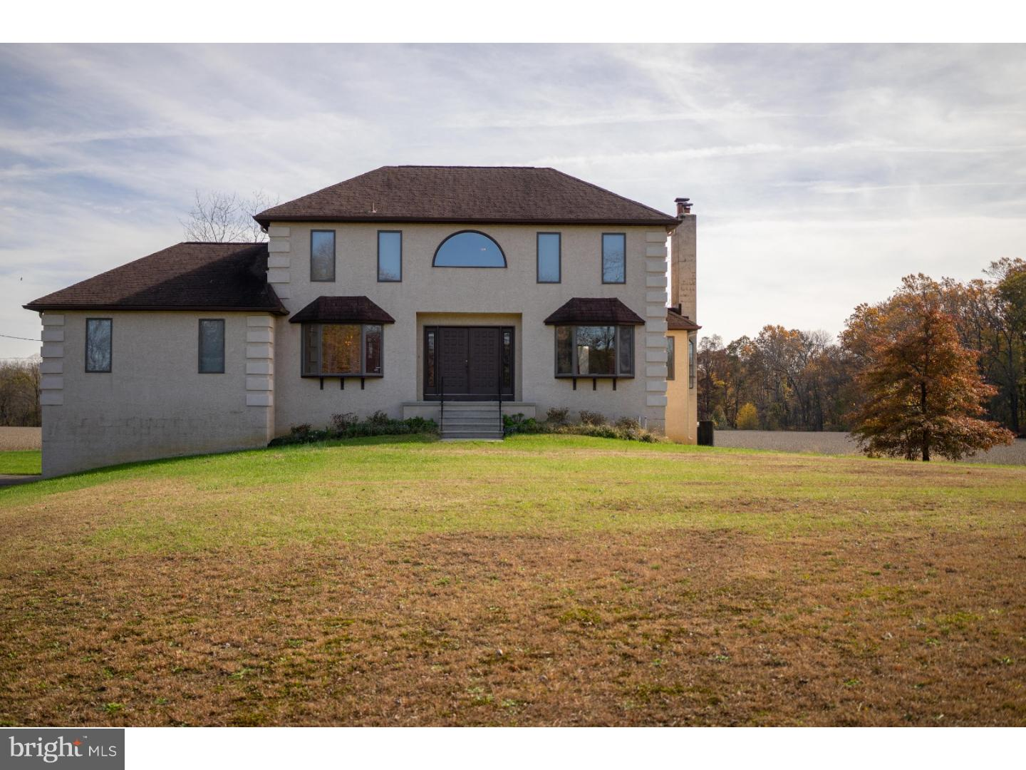 Photo of home for sale at 1070 Hedding Jacksonville Road, Springfield Twp NJ