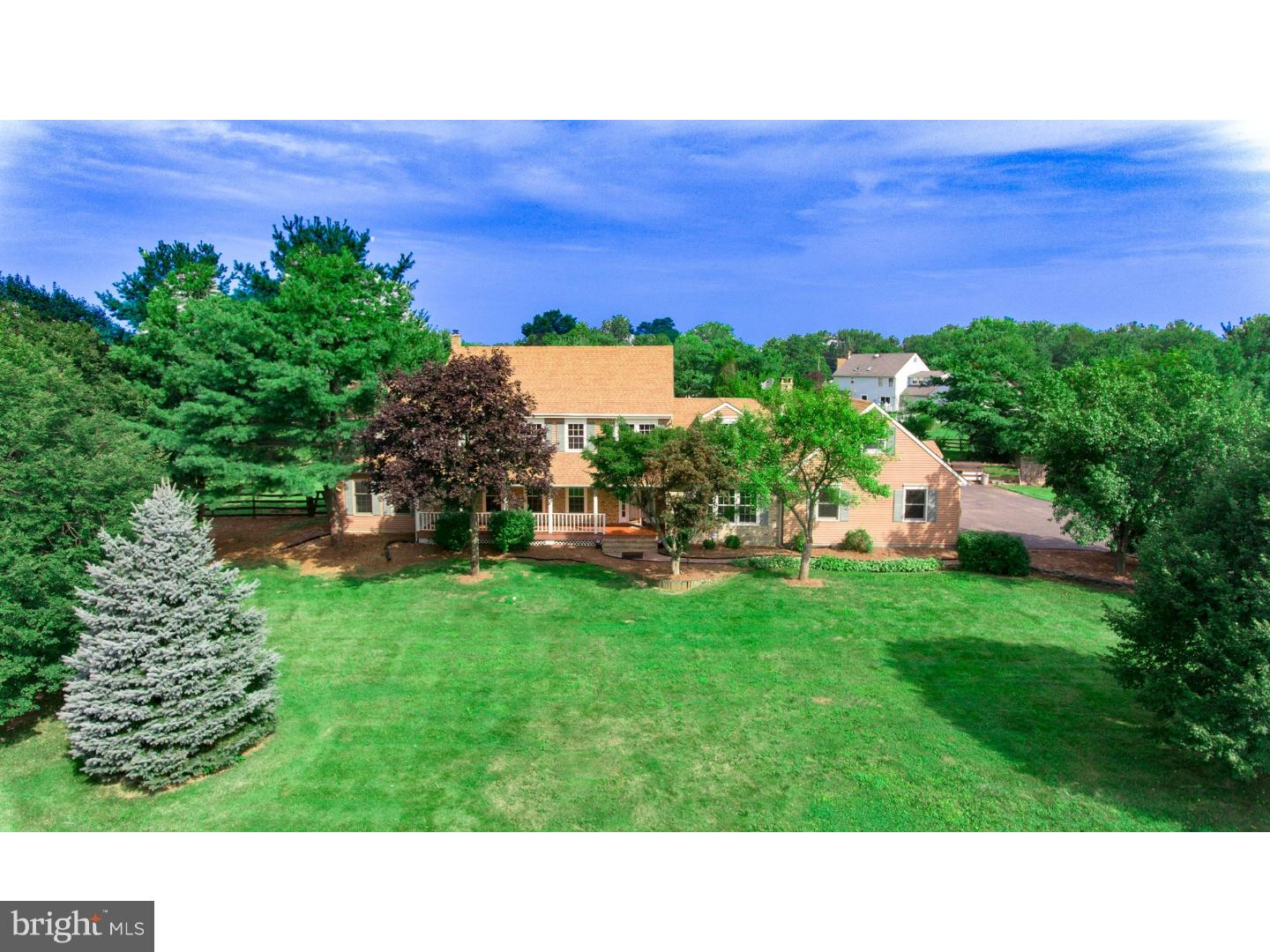 Single Family Home for Sale at 3 HUNTINGTON Court Allentown, New Jersey 08501 United StatesMunicipality: Upper Freehold Township