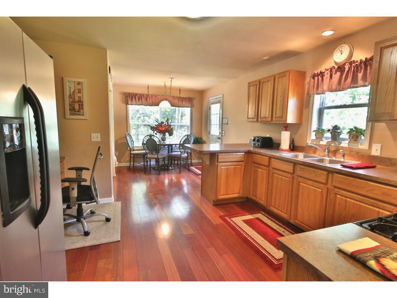 Maison unifamiliale pour l Vente à 2097 OLD YORK Road Florence, New Jersey 08505 États-Unis
