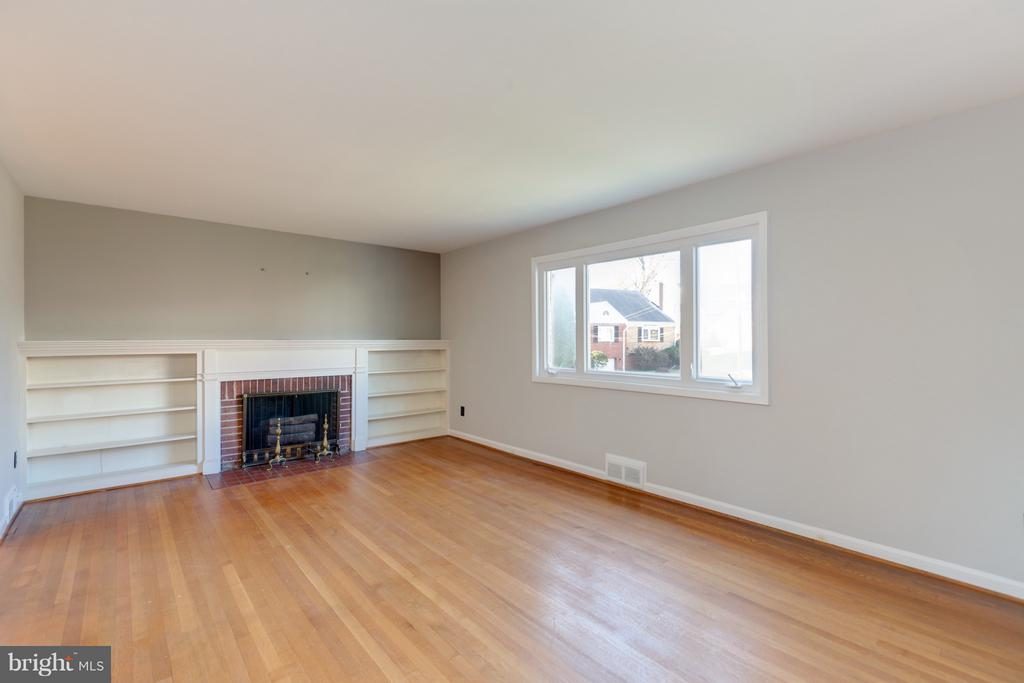 Family/Living Room - 2101 N QUINTANA ST, ARLINGTON