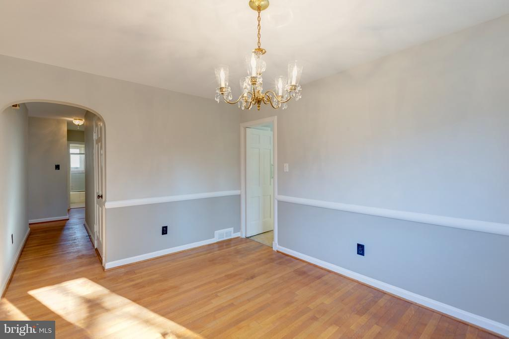Dining Room.   Fresh paint... Hardwoods! - 2101 N QUINTANA ST, ARLINGTON