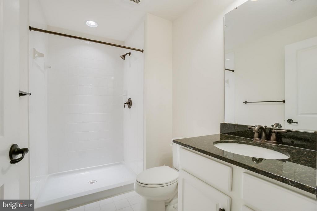 Full bathroom (Basement) - 30 KETTLEBROOK CT, STAFFORD