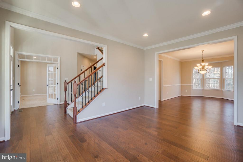 Formal Living Room - 30 KETTLEBROOK CT, STAFFORD