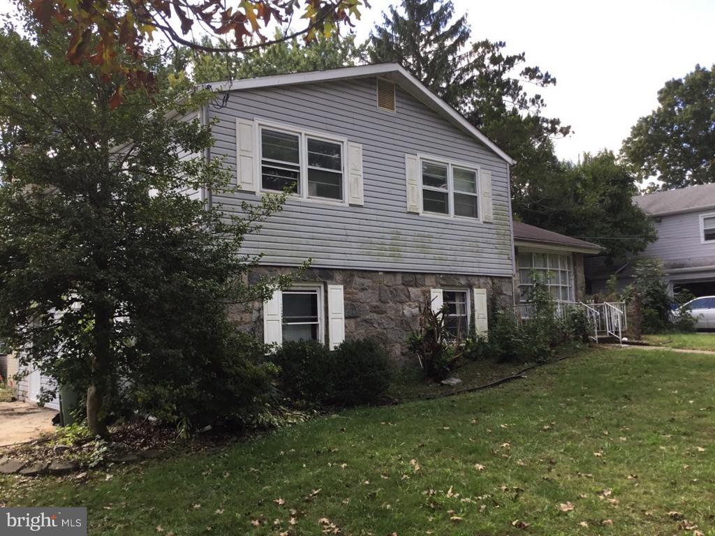 322 MONMOUTH DR, Cherry Hill NJ 08002