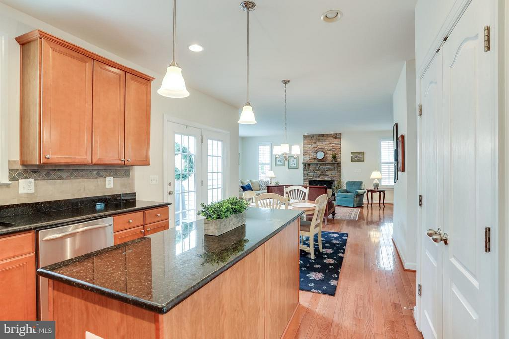 Eat in Kitchen open to Family Room - 1906 EAMONS WAY, ANNAPOLIS
