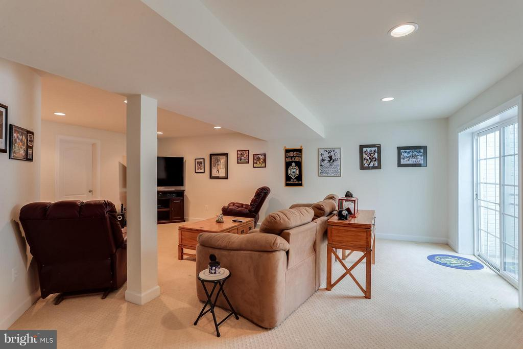 Lower Level Den w/ Walk-out - 1906 EAMONS WAY, ANNAPOLIS