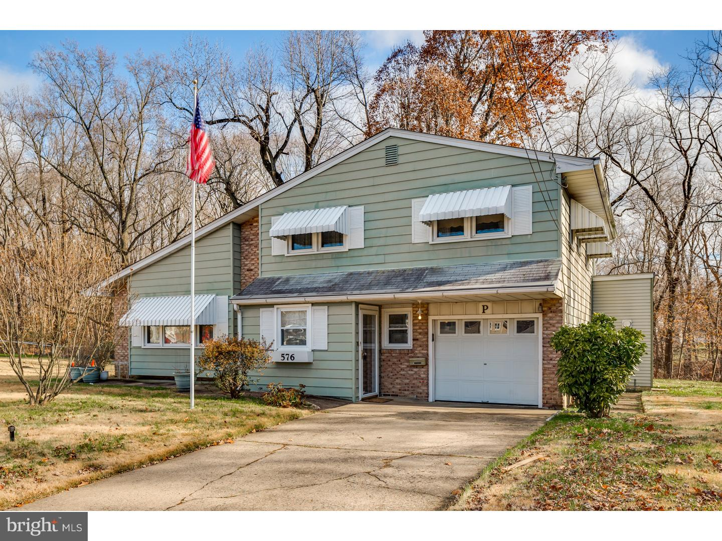 Single Family Home for Sale at 576 SENECA Court Magnolia, New Jersey 08049 United States