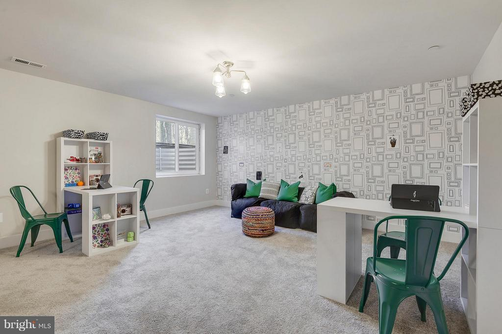 More views of the play room - 299 BONHEUR AVE, GAMBRILLS