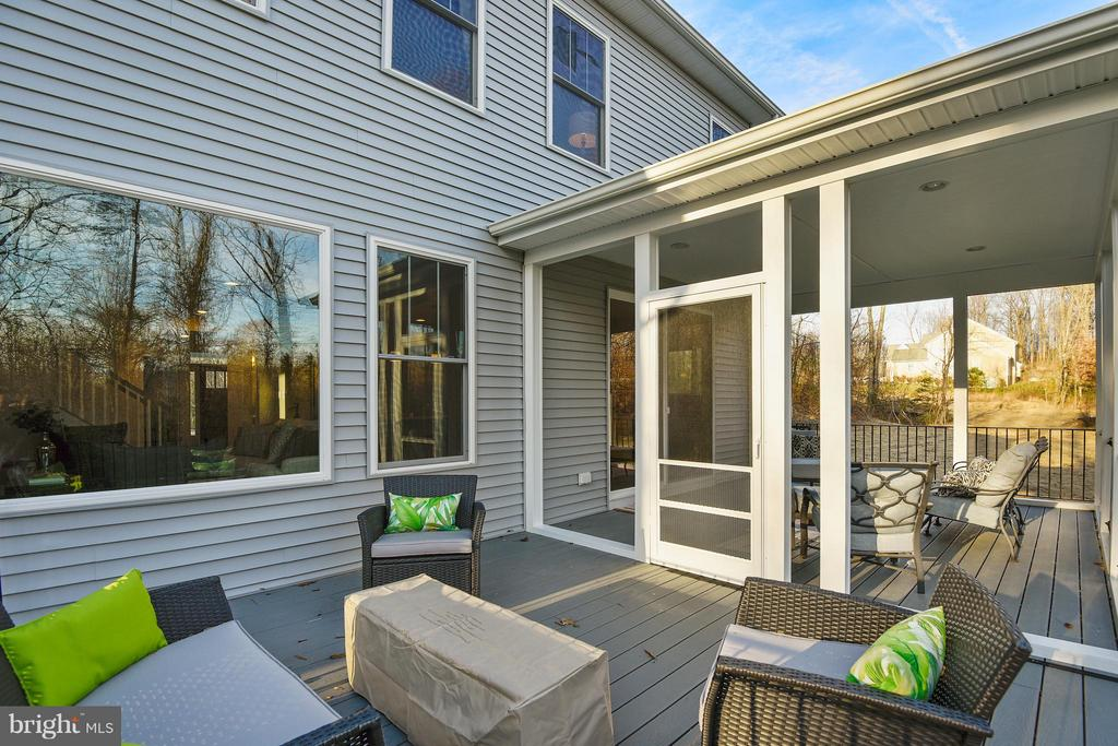 Screened in porch and deck - 299 BONHEUR AVE, GAMBRILLS