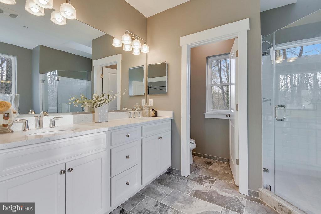 Owners Suite Luxurious Bath - 299 BONHEUR AVE, GAMBRILLS