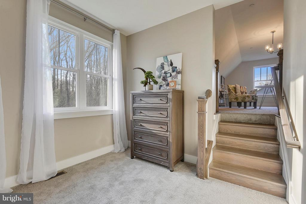 Owners Suite sitting room - 299 BONHEUR AVE, GAMBRILLS