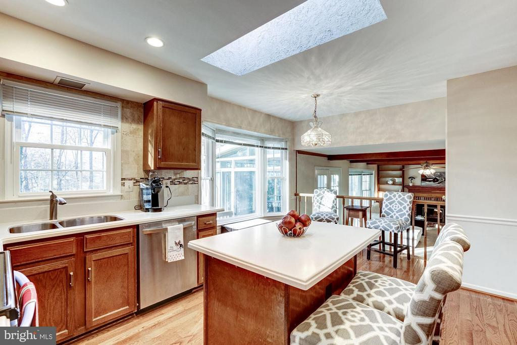 Kitchen  with hardwood floors - 11657 GILMAN LN, HERNDON